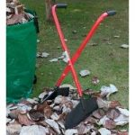Long Handled Leaf Collecting Grab n Lift by Darlac