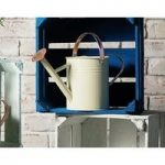 Watering Can in Heritage Cream (4.5 Litre) by Gardman