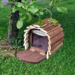 Squirrel Hotel Wooden Feeding Station by Kingfisher