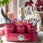 Sophie Conran Gardeners Gubbins Pots & Tray in Raspberry by Burgon and Ball
